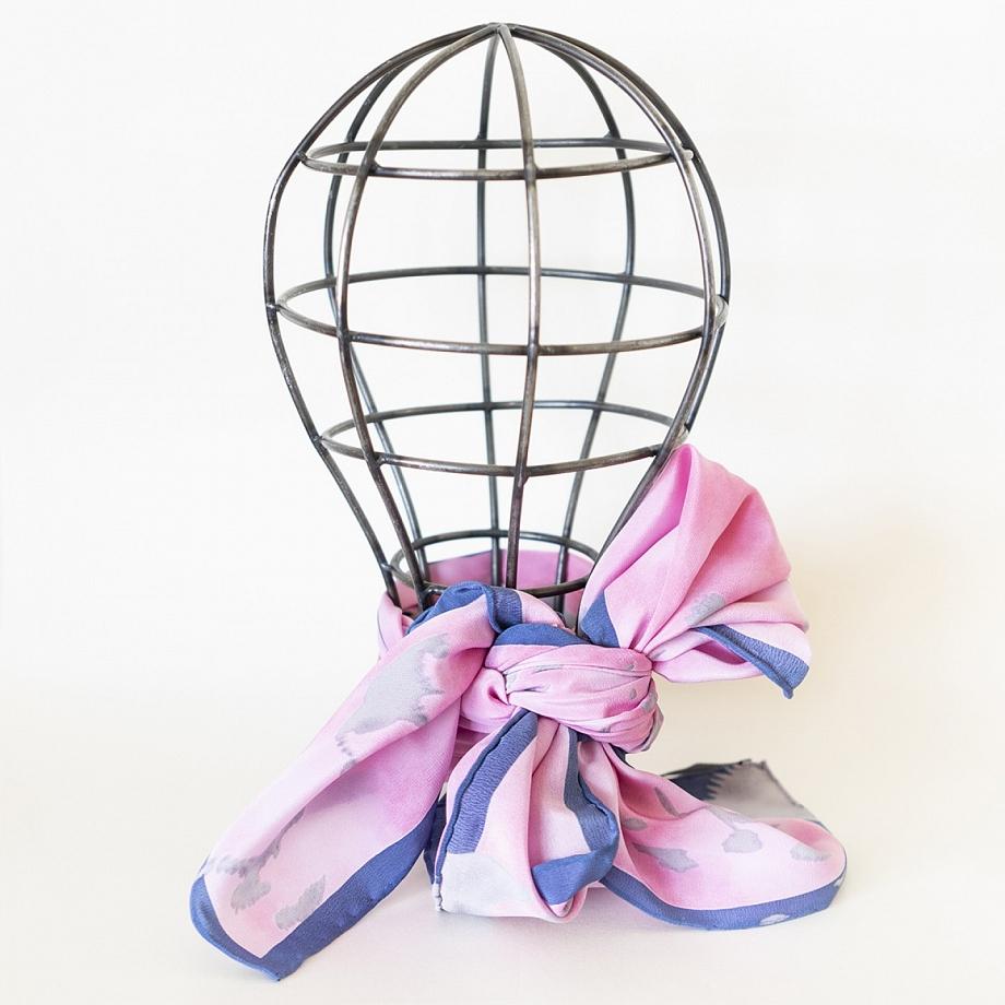 Pañuelo Grande de seda rosa