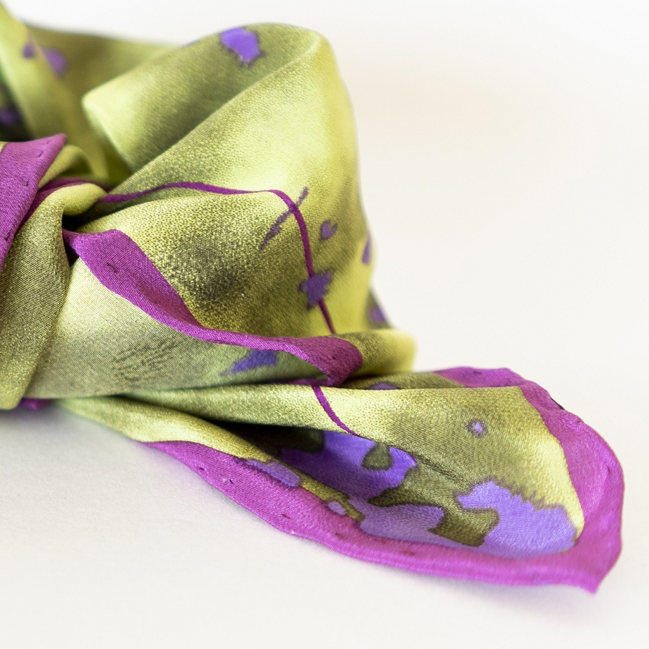 Pañuelo pequeño de seda verde